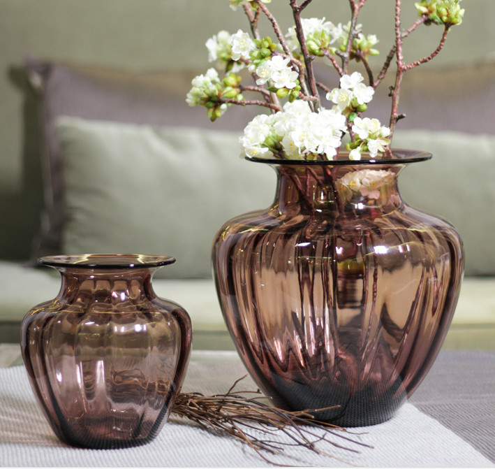 Mouth Blown Decorative Glass Flower Vases Hand Wash Three Size