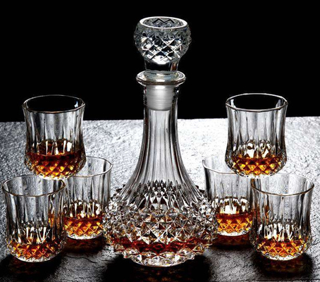 Diamond Design Whiskey Glass Bottle With Cups For Night Bar Offer Whiskey